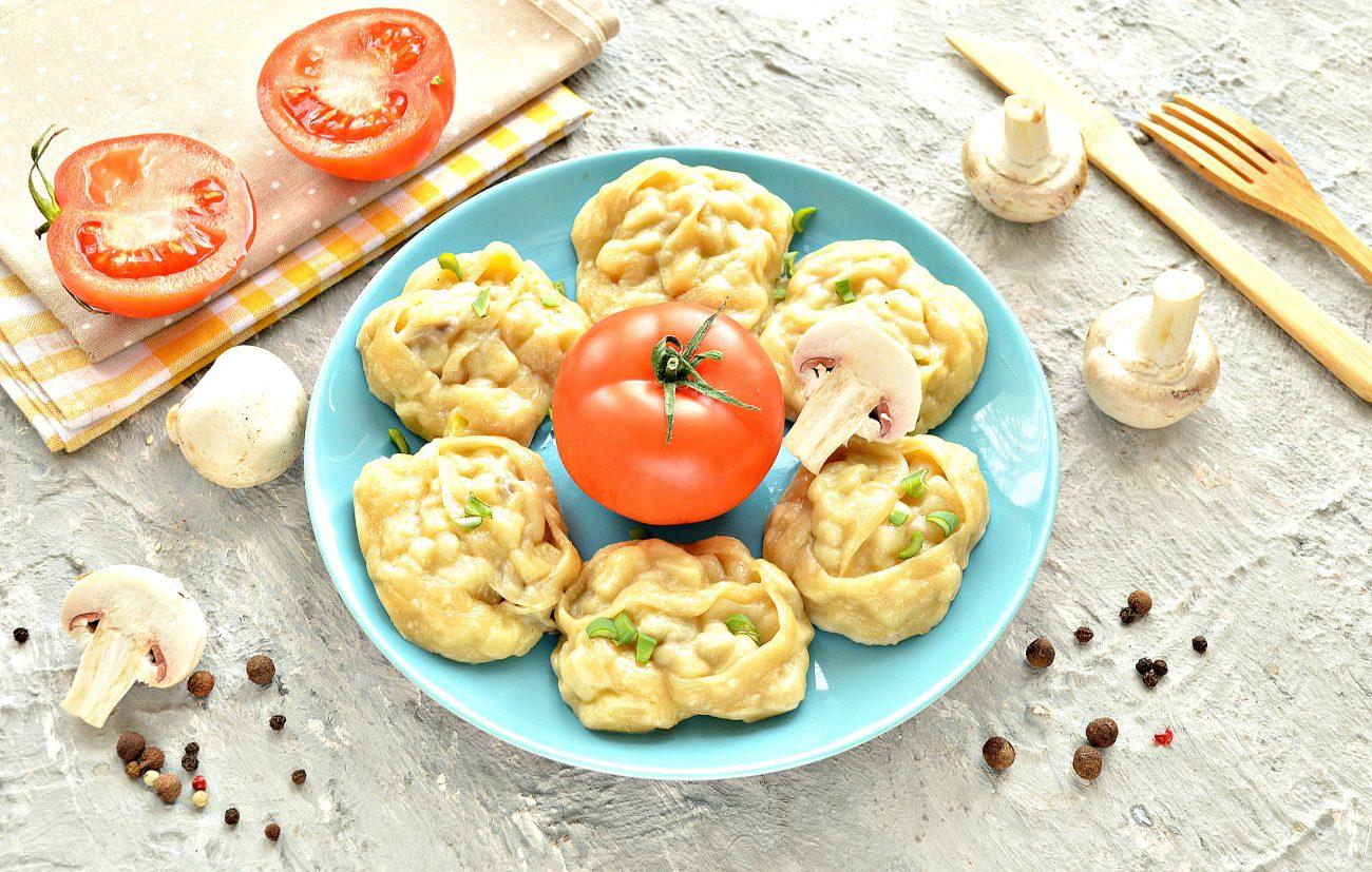 Постные манты с грибами и картошкой
