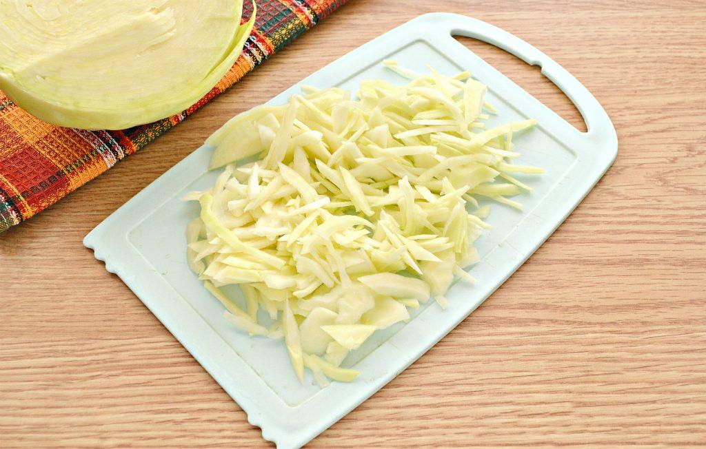 Фото рецепта - Домашние щи со свининой и грибами - шаг 2