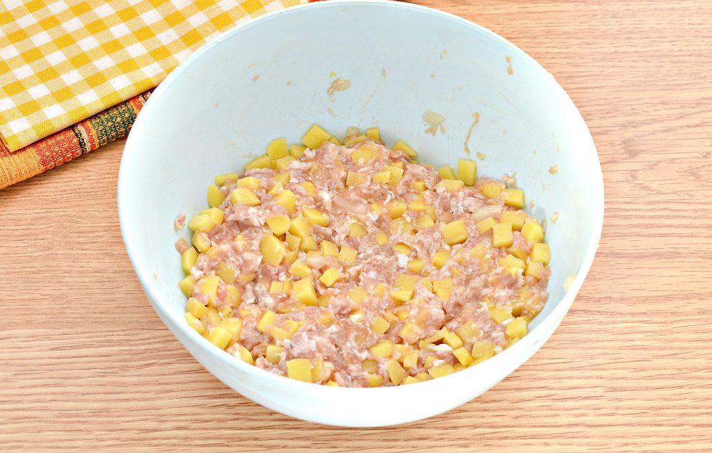 Фото рецепта - Вак-беляши в духовке с картошкой и фаршем - шаг 3