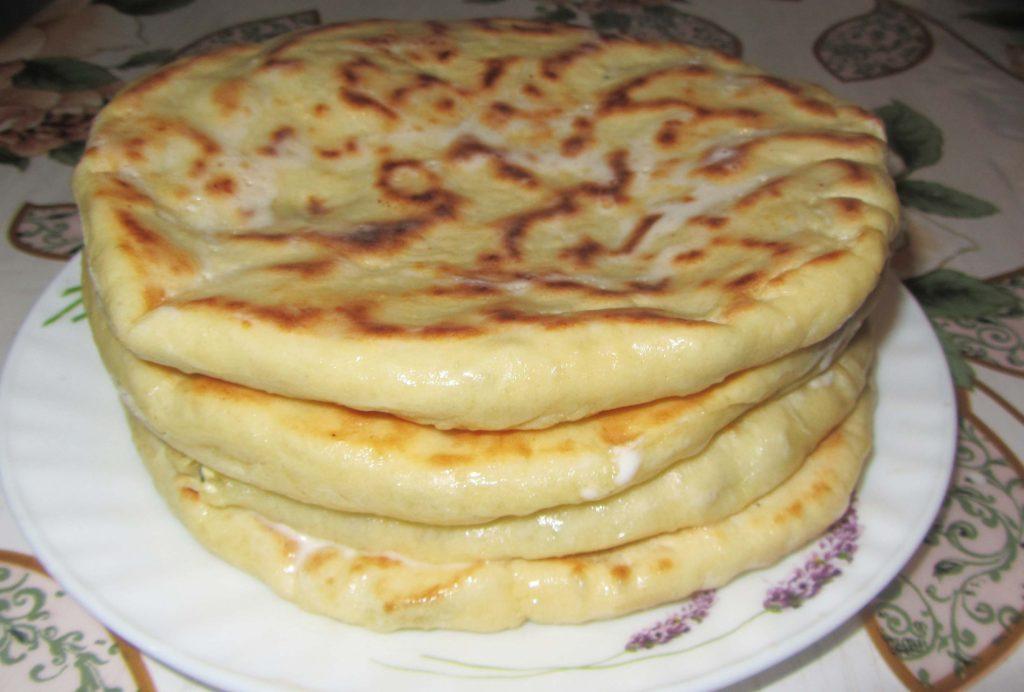 Фото рецепта - Лепешки с сыром и зеленью на сковороде - шаг 8