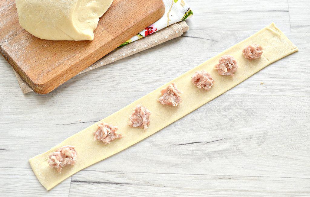 Фото рецепта - Манты со свининой (в форме цветка) - шаг 4