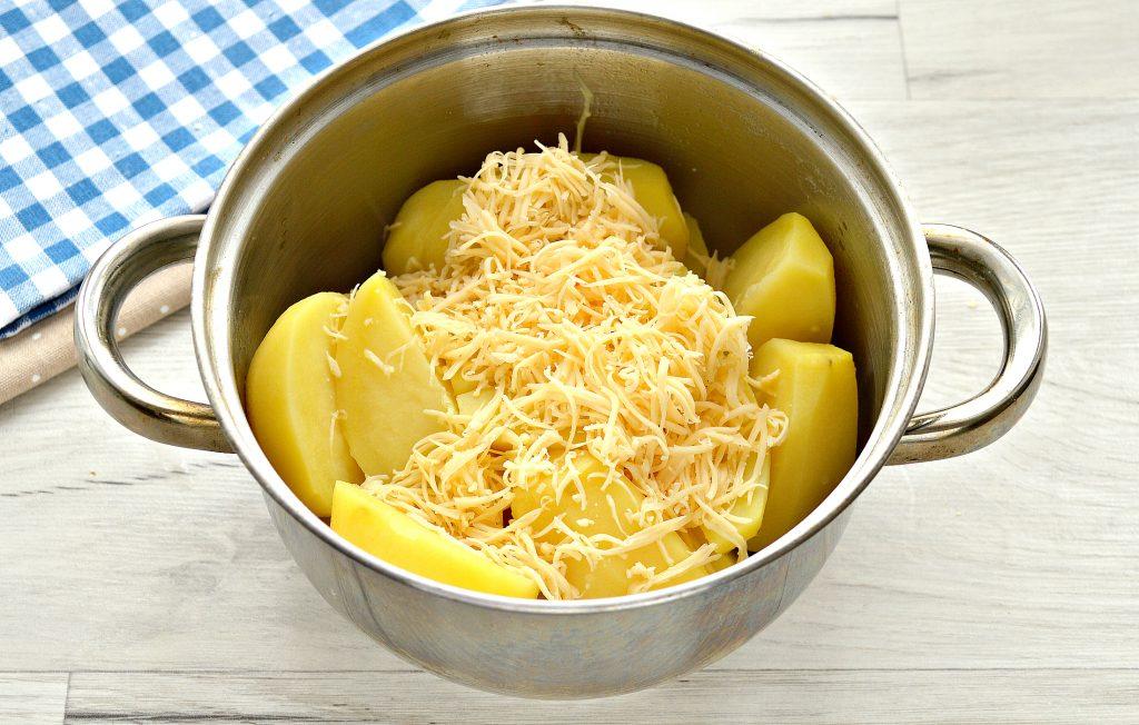 Фото рецепта - Картофельное пюре с сыром - шаг 4