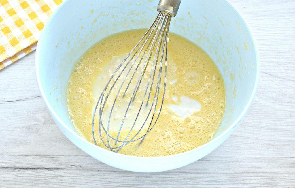 Фото рецепта - Тесто для курника на кефире - шаг 4
