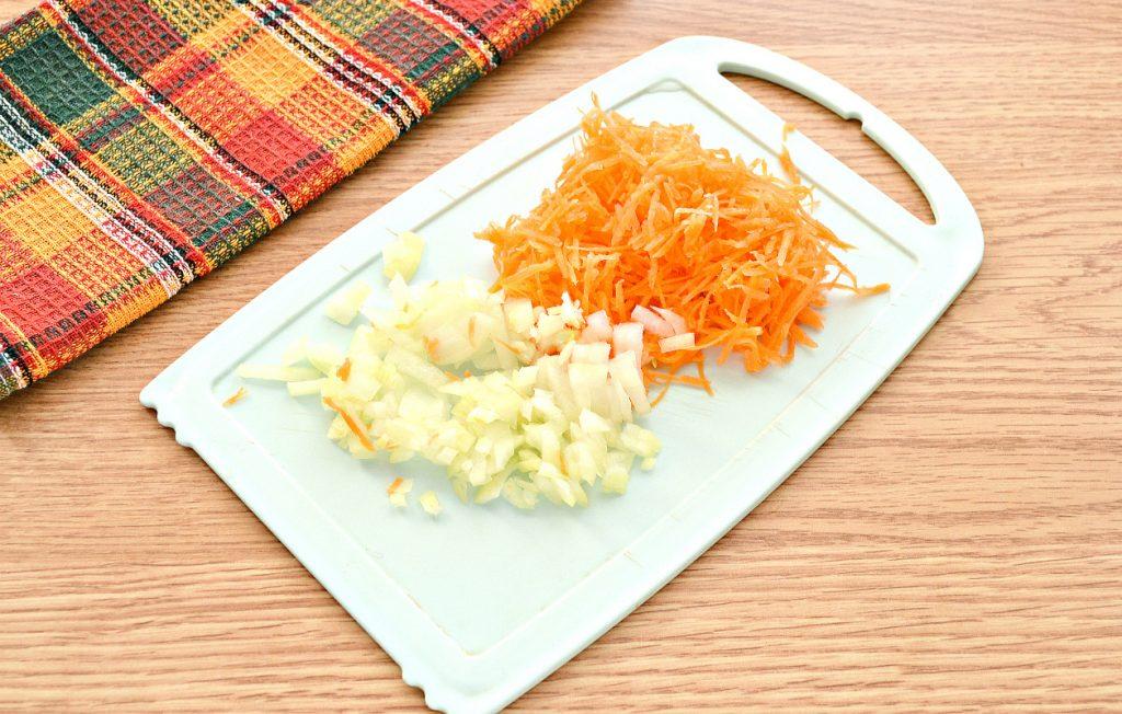 Фото рецепта - Домашние щи со свининой и грибами - шаг 4