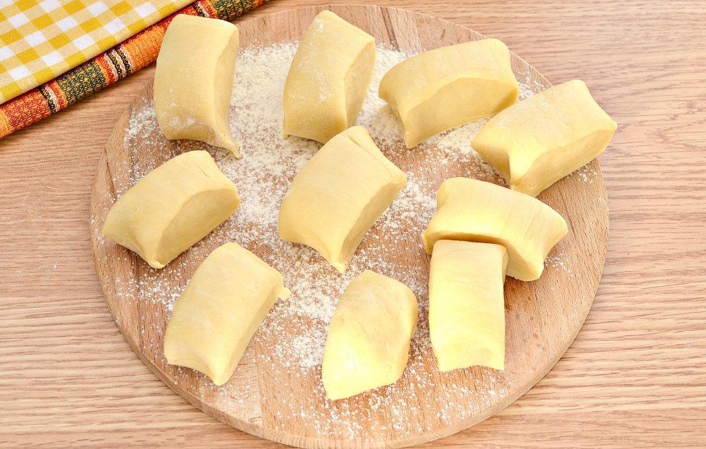 Фото рецепта - Вак-беляши в духовке с картошкой и фаршем - шаг 4