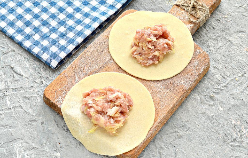 Фото рецепта - Домашние манты с кабачком и свининой - шаг 5