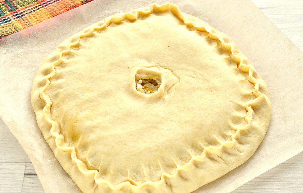 Фото рецепта - Вкусный дрожжевой пирог с капустой в духовке - шаг 5