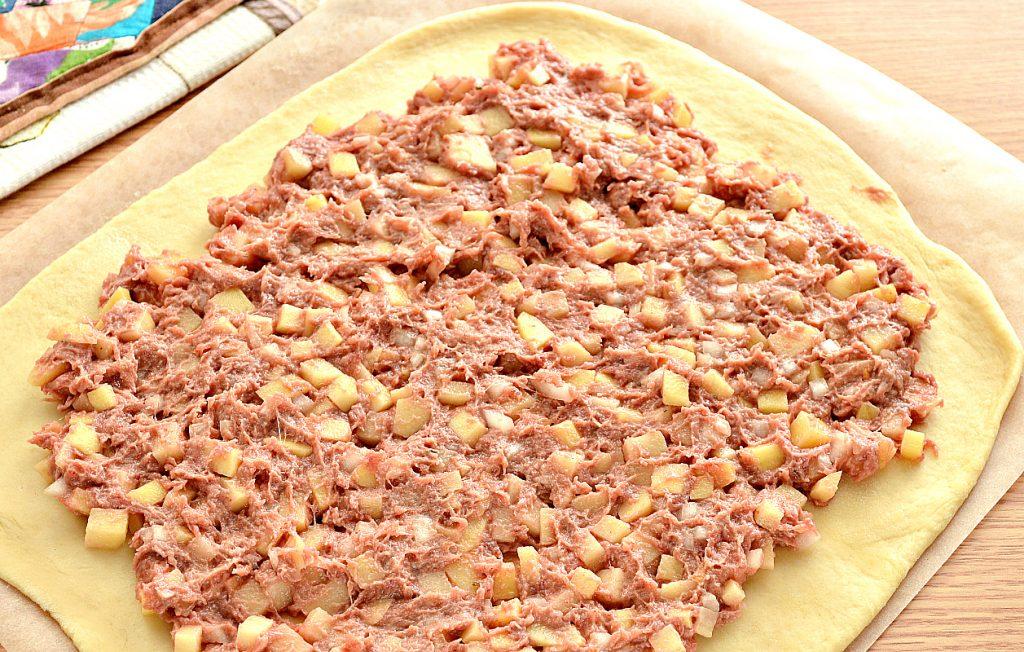 Фото рецепта - Курник с фаршем (мясной пирог) - шаг 6