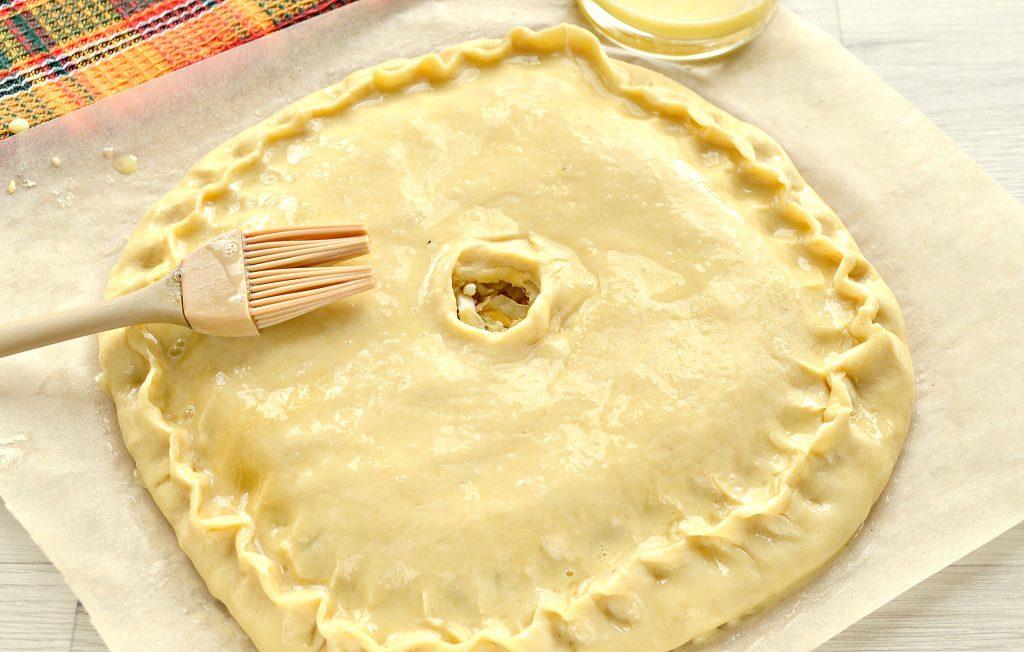 Фото рецепта - Вкусный дрожжевой пирог с капустой в духовке - шаг 6