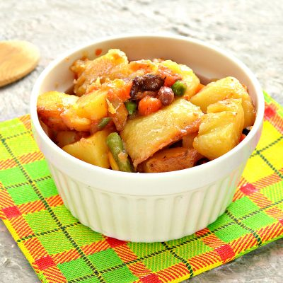 Тушеный картофель с мексиканской смесью - рецепт с фото