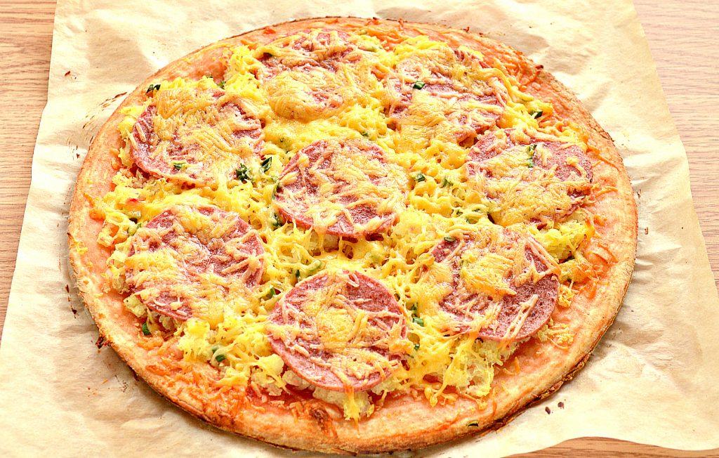 Фото рецепта - Пицца с картошкой и колбасой - шаг 7