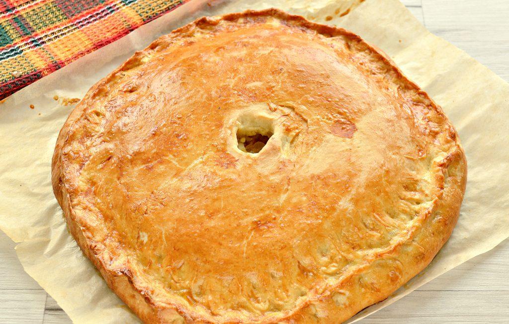 Фото рецепта - Вкусный дрожжевой пирог с капустой в духовке - шаг 7
