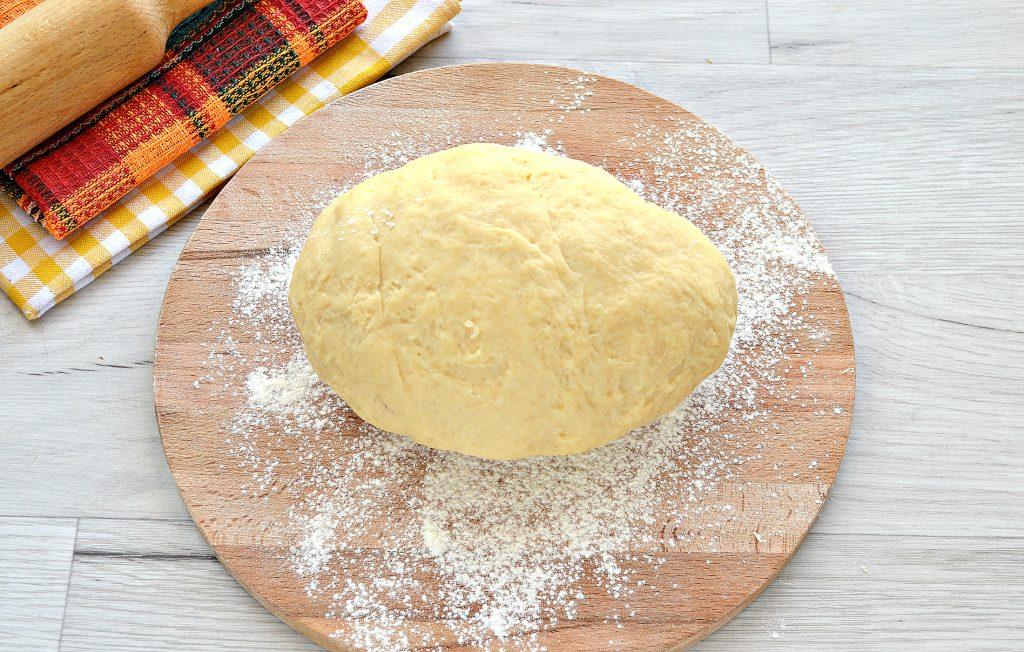 Фото рецепта - Тесто для курника на маргарине и молоке - шаг 7