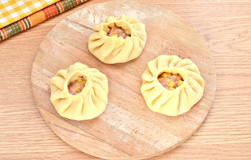 Фото рецепта - Вак-беляши в духовке с картошкой и фаршем - шаг 7