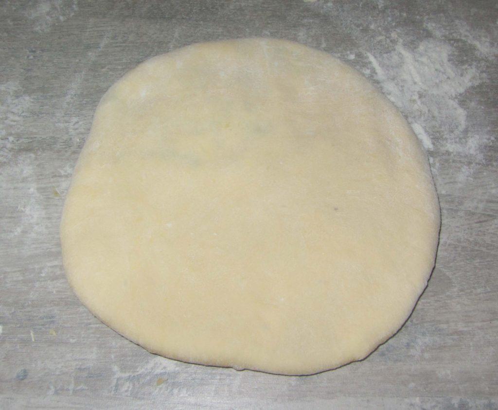 Фото рецепта - Лепешки с сыром и зеленью на сковороде - шаг 5