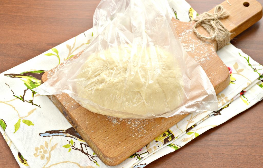 Фото рецепта - Тесто для чебуреков на сметане - шаг 8