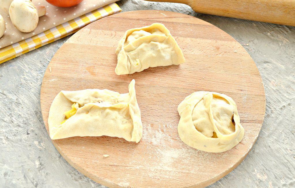 Фото рецепта - Постные манты с грибами и картошкой - шаг 8