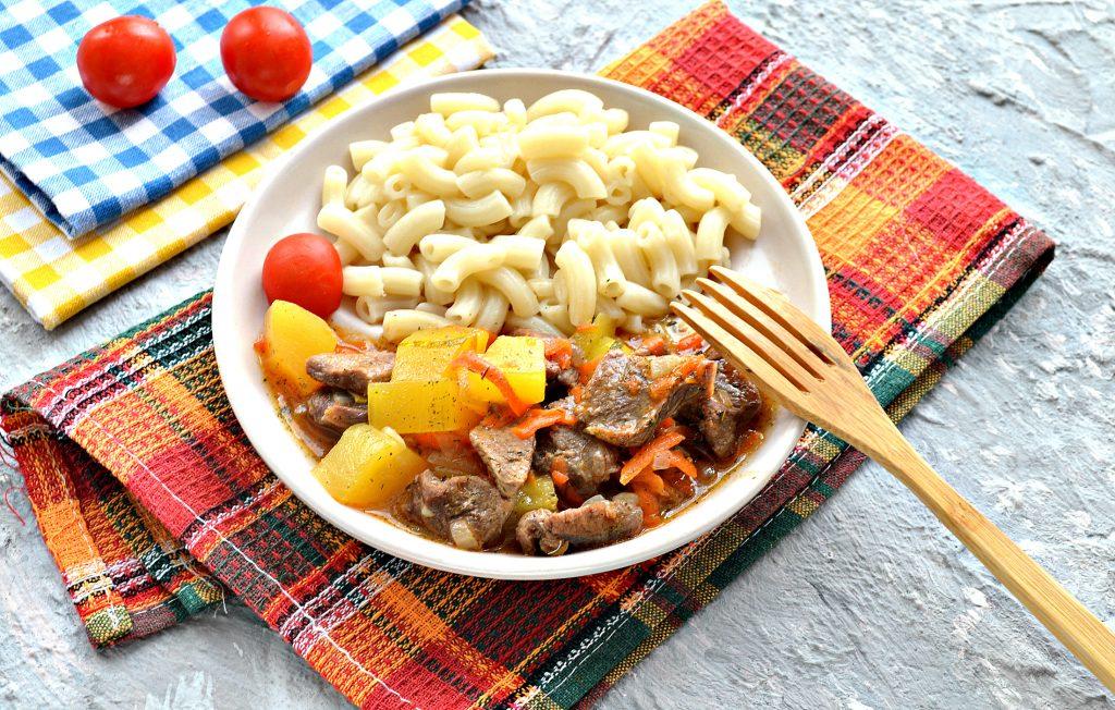 Фото рецепта - Подлива с говядиной и кабачками - шаг 8