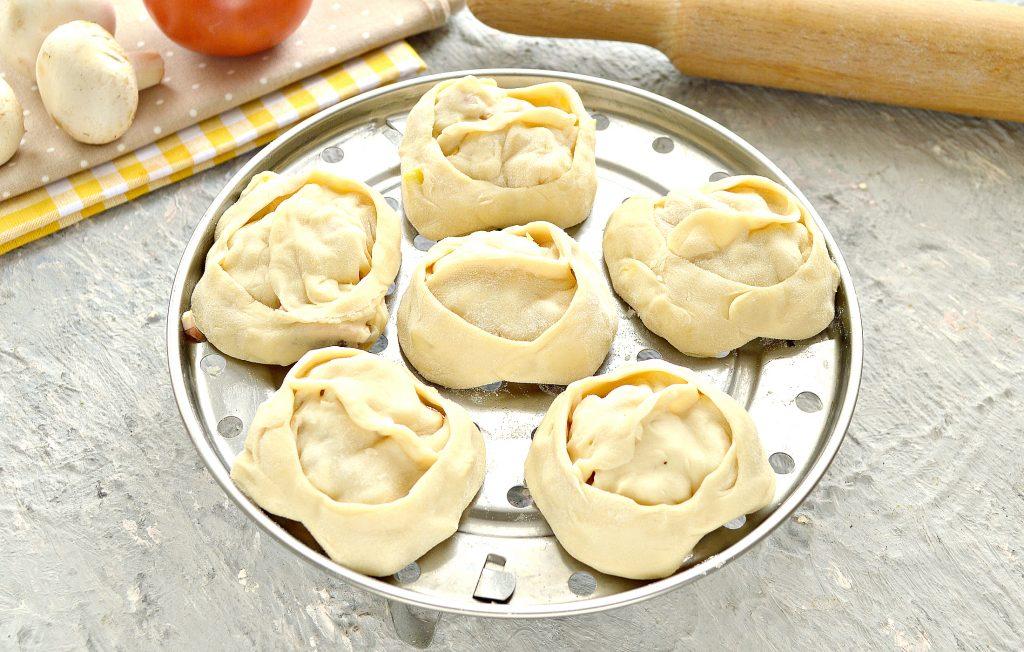 Фото рецепта - Постные манты с грибами и картошкой - шаг 9