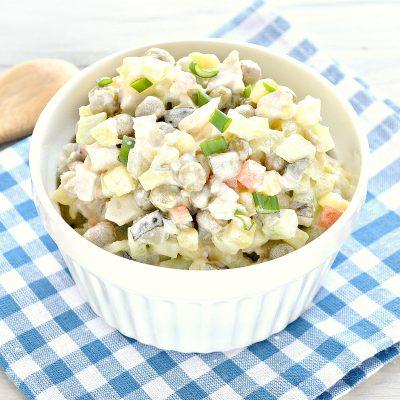 """Салат """"Столичный"""" без яиц - рецепт с фото"""