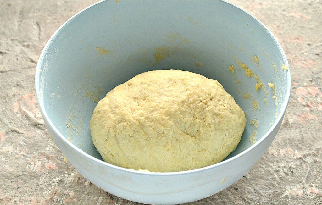 Фото рецепта - Песочно-дрожжевое тесто - шаг 9