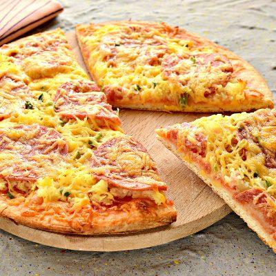 Пицца с картошкой и колбасой - рецепт с фото