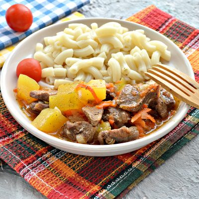 Подлива с говядиной и кабачками - рецепт с фото