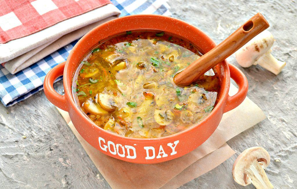Фото рецепта - Куриный суп с лапшой и шампиньонами - шаг 9