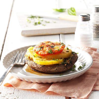 Фаршированные грибы картофелем, томатами и сыром - рецепт с фото