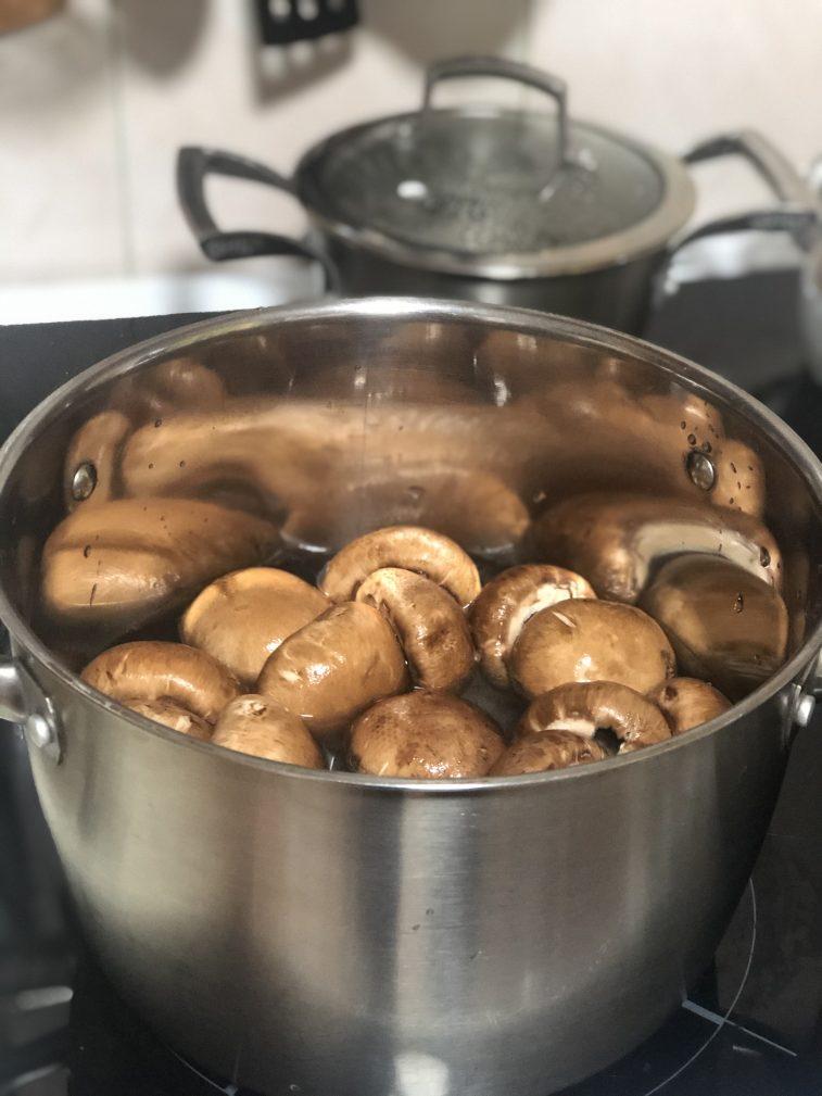 Фото рецепта - Фаршированные шампиньоны с сыром - шаг 7