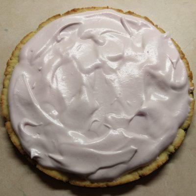 Фото рецепта - Торт на песочном тесте с клюквой и орехами - шаг 7
