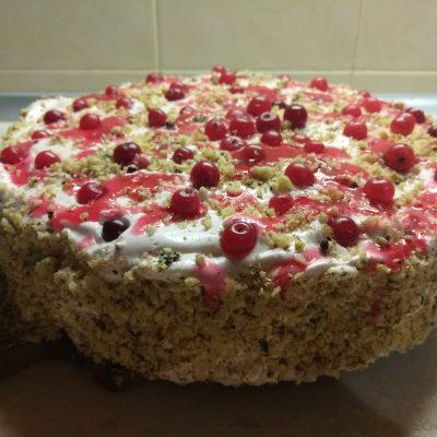 Торт на песочном тесте с клюквой и орехами - рецепт с фото