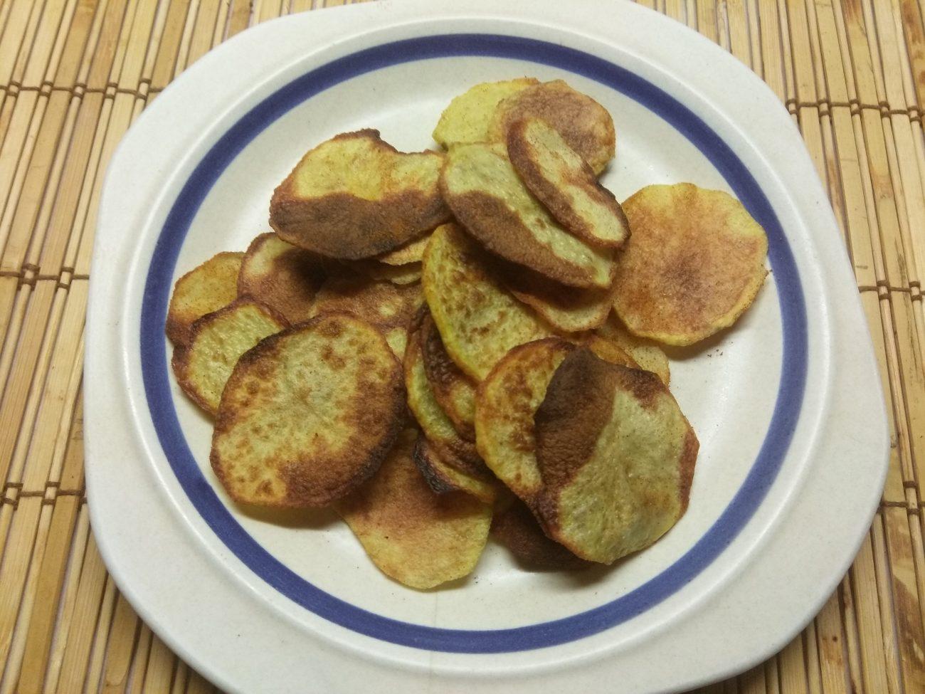 Картофельный чипсы со специями