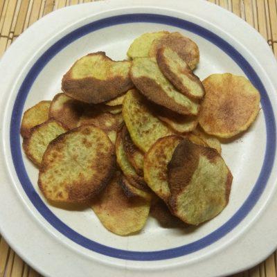 Картофельный чипсы со специями - рецепт с фото