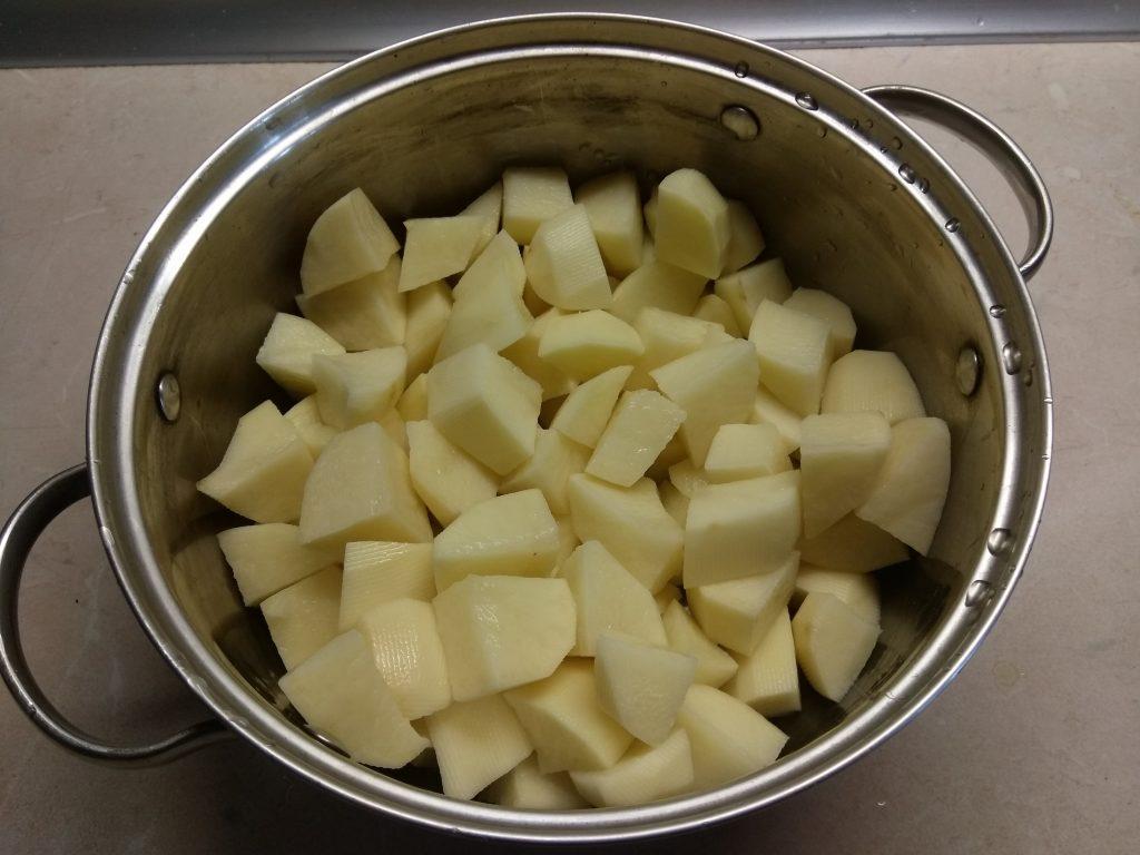 Фото рецепта - Картофельное пюре с консервированным тунцом - шаг 2