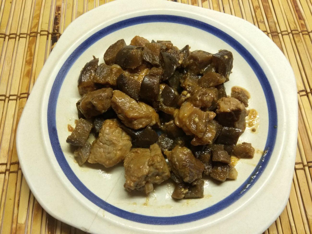 Рагу из свинины и баклажанов