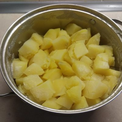 Фото рецепта - Картофельные кексы с консервированными сардинами - шаг 2