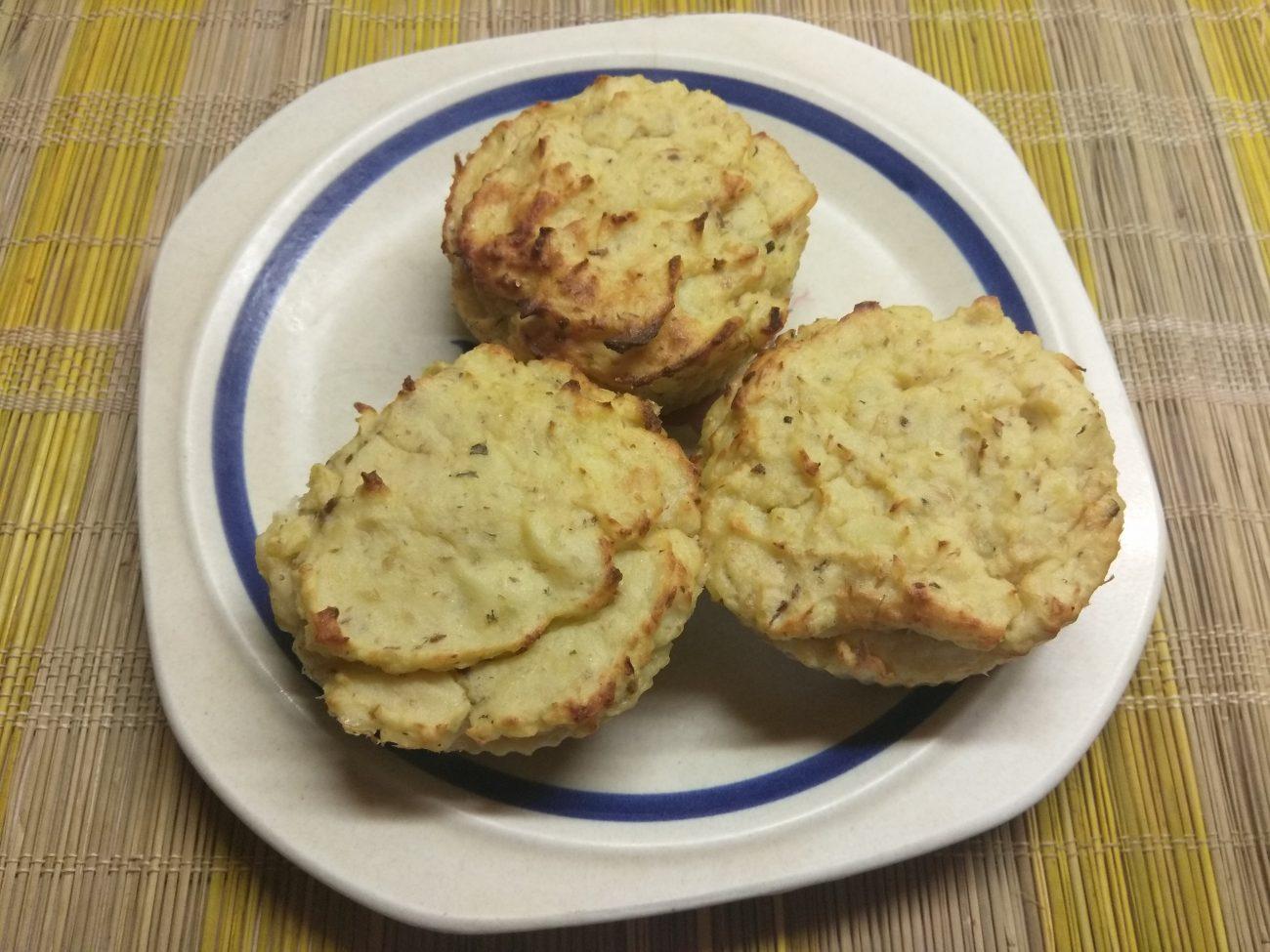 Картофельные кексы с консервированными сардинами