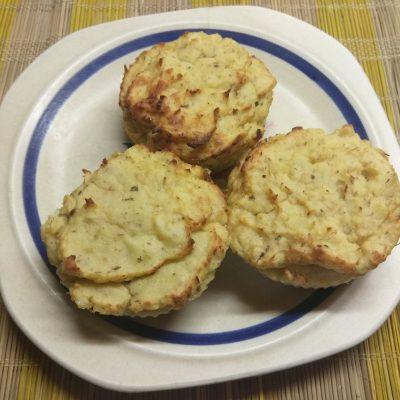 Картофельные кексы с консервированными сардинами - рецепт с фото