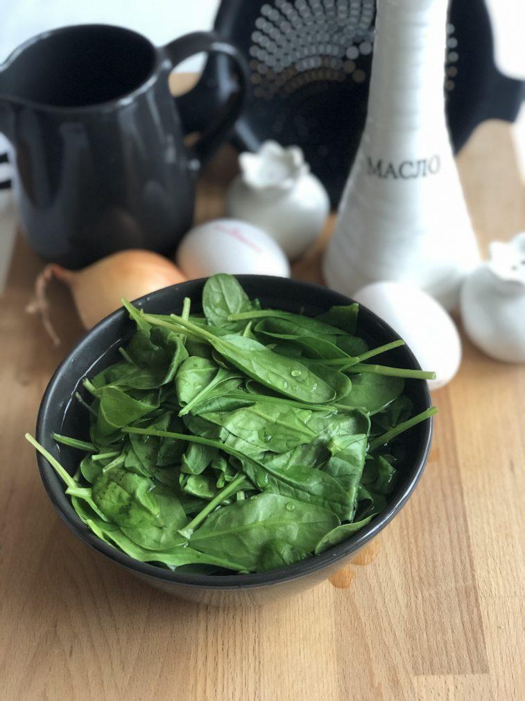 Фото рецепта - Омлет со шпинатом - шаг 2