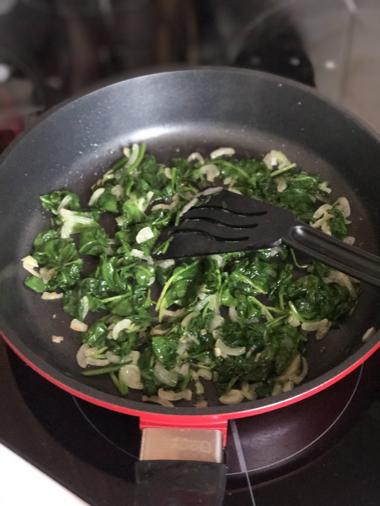 Фото рецепта - Омлет со шпинатом - шаг 8