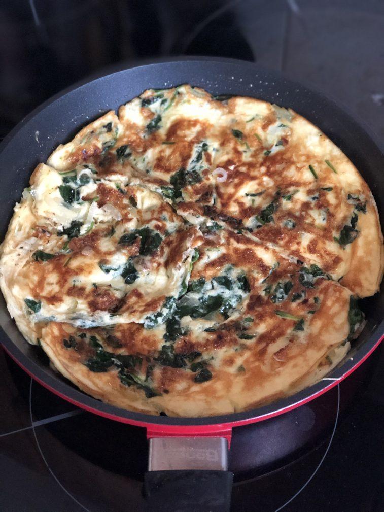 Фото рецепта - Омлет со шпинатом - шаг 12
