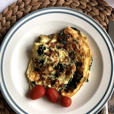 Омлет со шпинатом - рецепт с фото