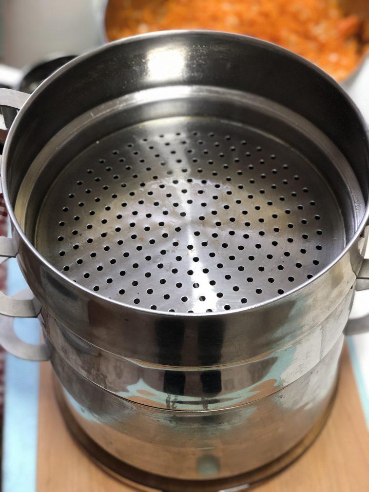 Фото рецепта - Манты с тыквой и луком - шаг 8