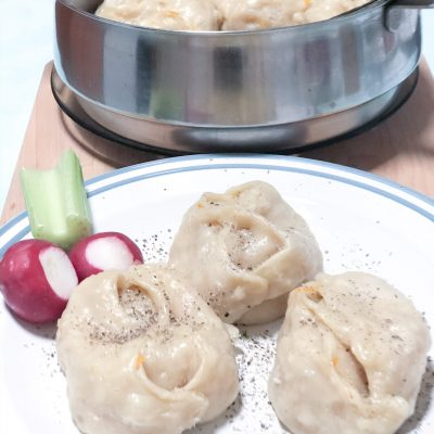 Манты с тыквой и луком - рецепт с фото