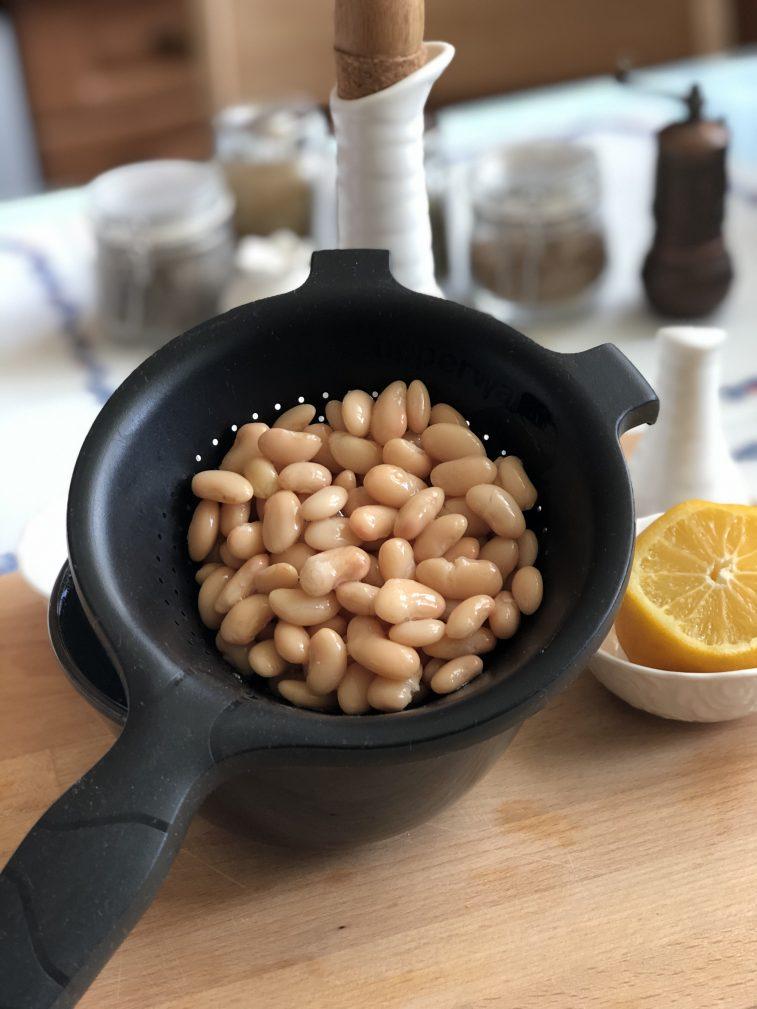 Фото рецепта - Соус из белой фасоли - шаг 2
