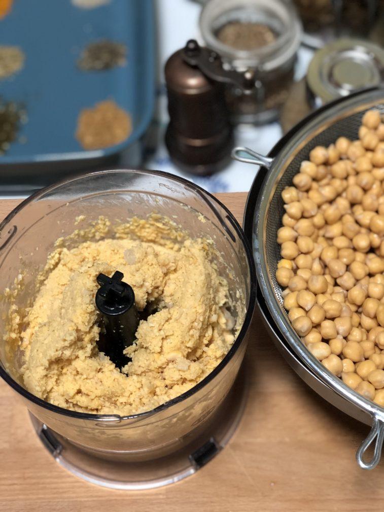 Фото рецепта - Фалафель – гороховые шарики - шаг 4