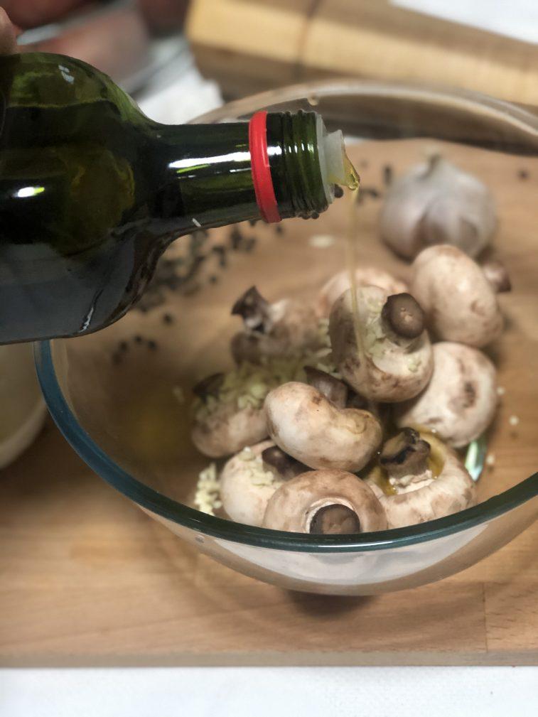 Фото рецепта - Запеченный картофель с грибами - шаг 8