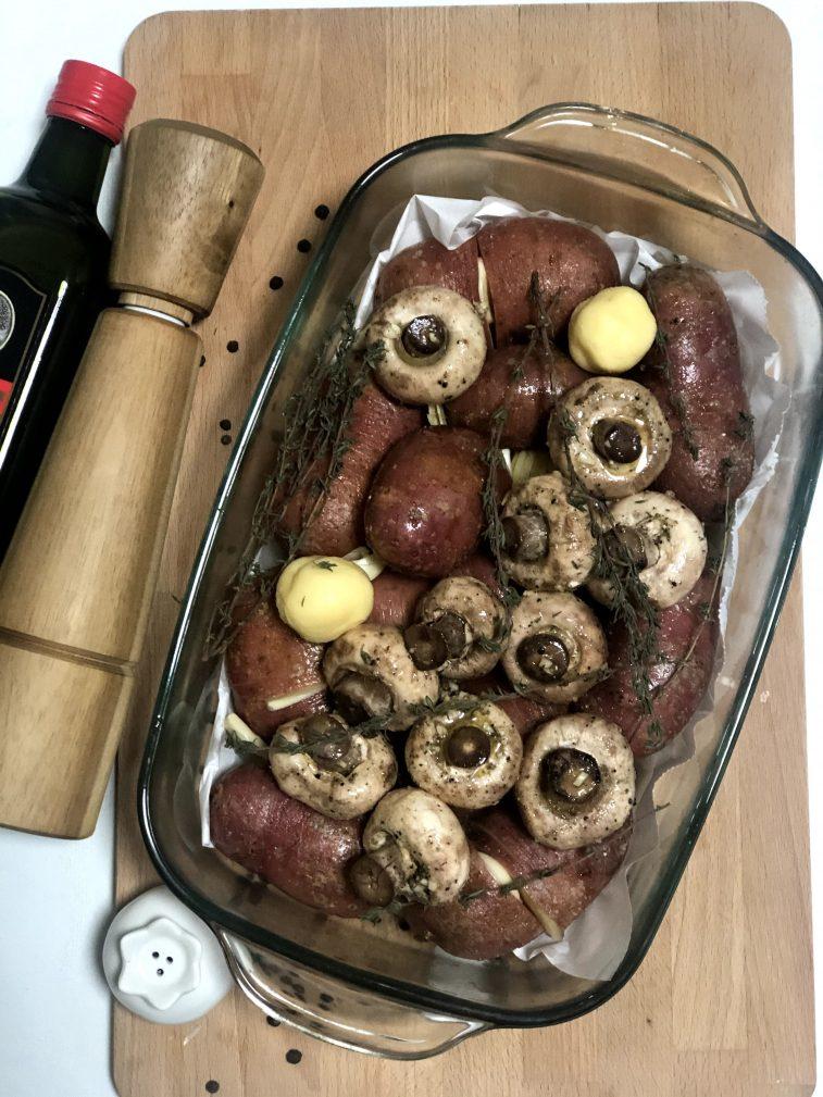Фото рецепта - Запеченный картофель с грибами - шаг 12