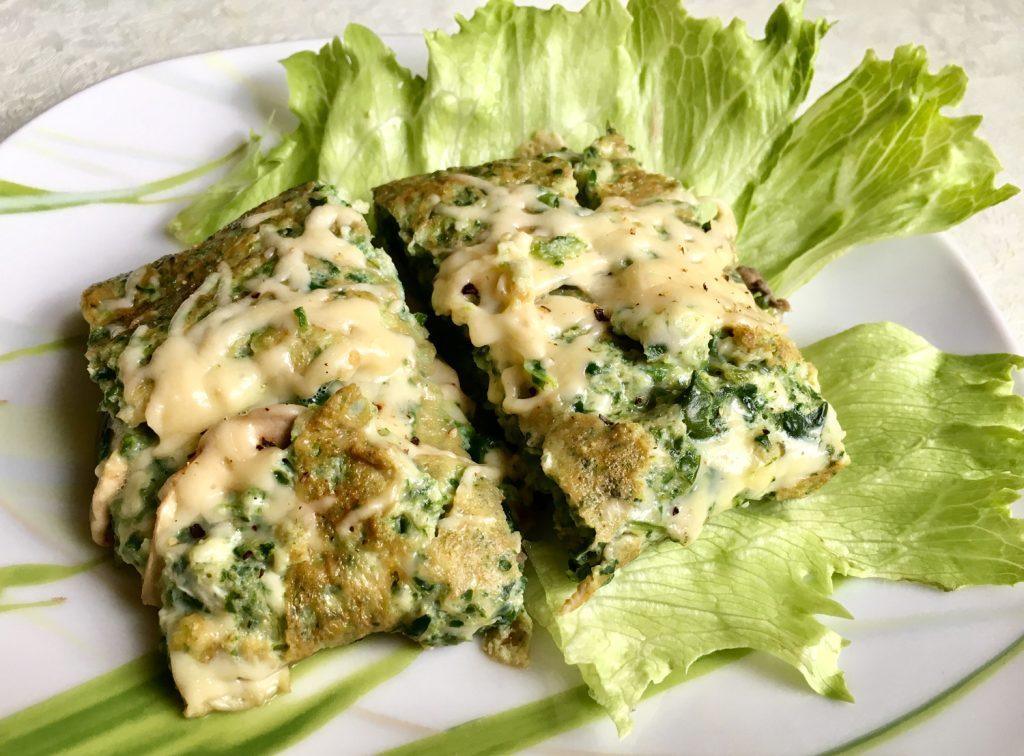 Фото рецепта - Яичница из шпината с сыром и грибами - шаг 8